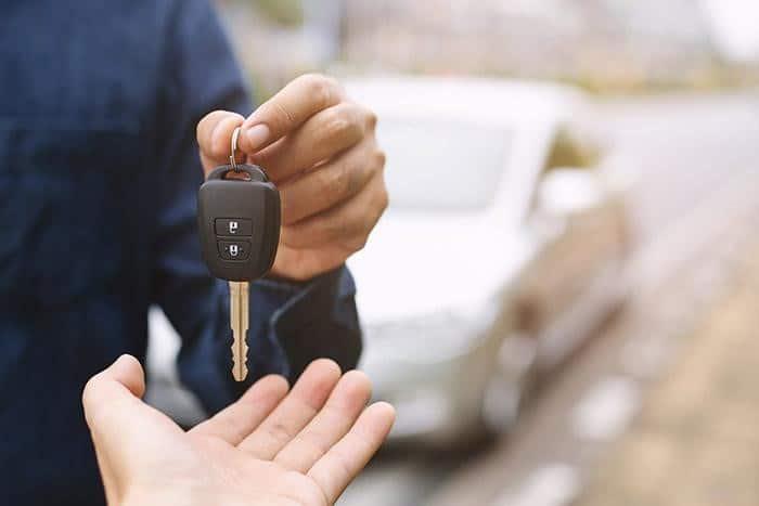Diferencias entre alquiler y renting de coches